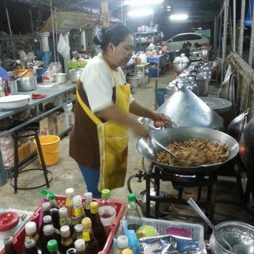 ครัวเจตำหนักบุญ ร้านอาหารเจ กาญจนบุรี